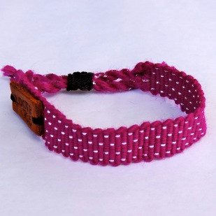 Life Out of the Box bracelet Shine On available on lootb.com